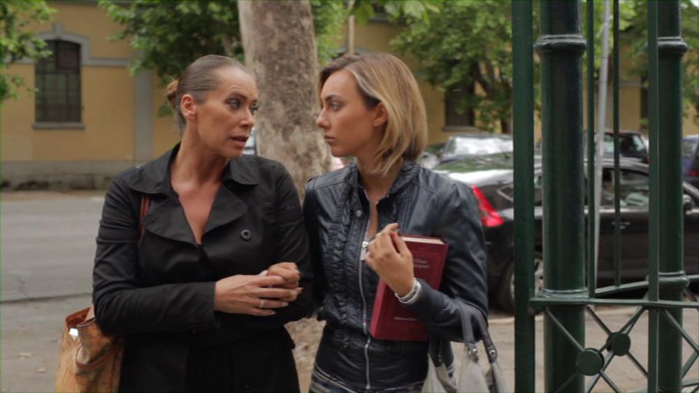 Con tutto l'amore che ho: Cristel Carrisi e Barbara De Rossi in una scena del film