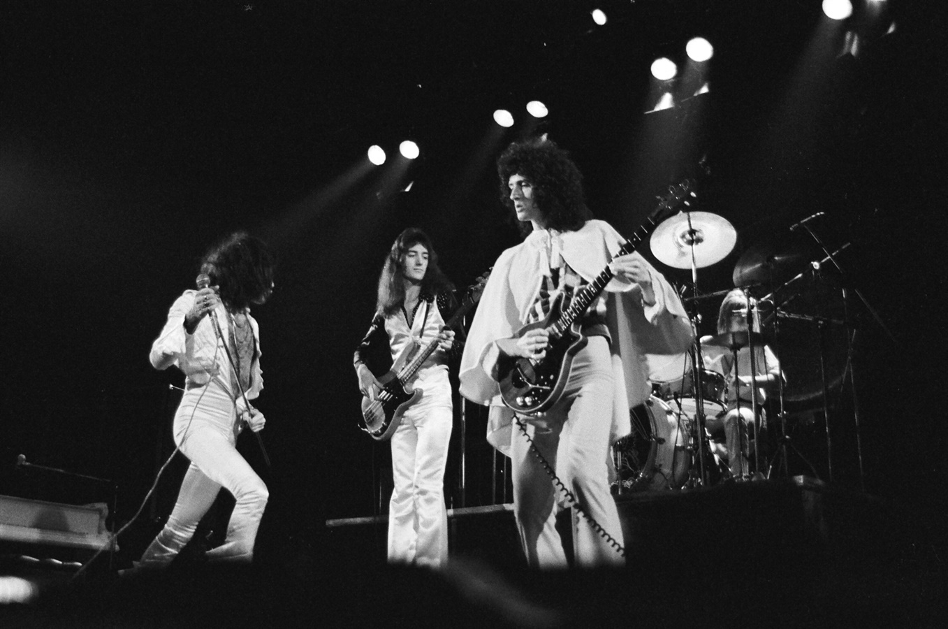Queen: A Night in Bohemia, un'immagine del concerto del 1975