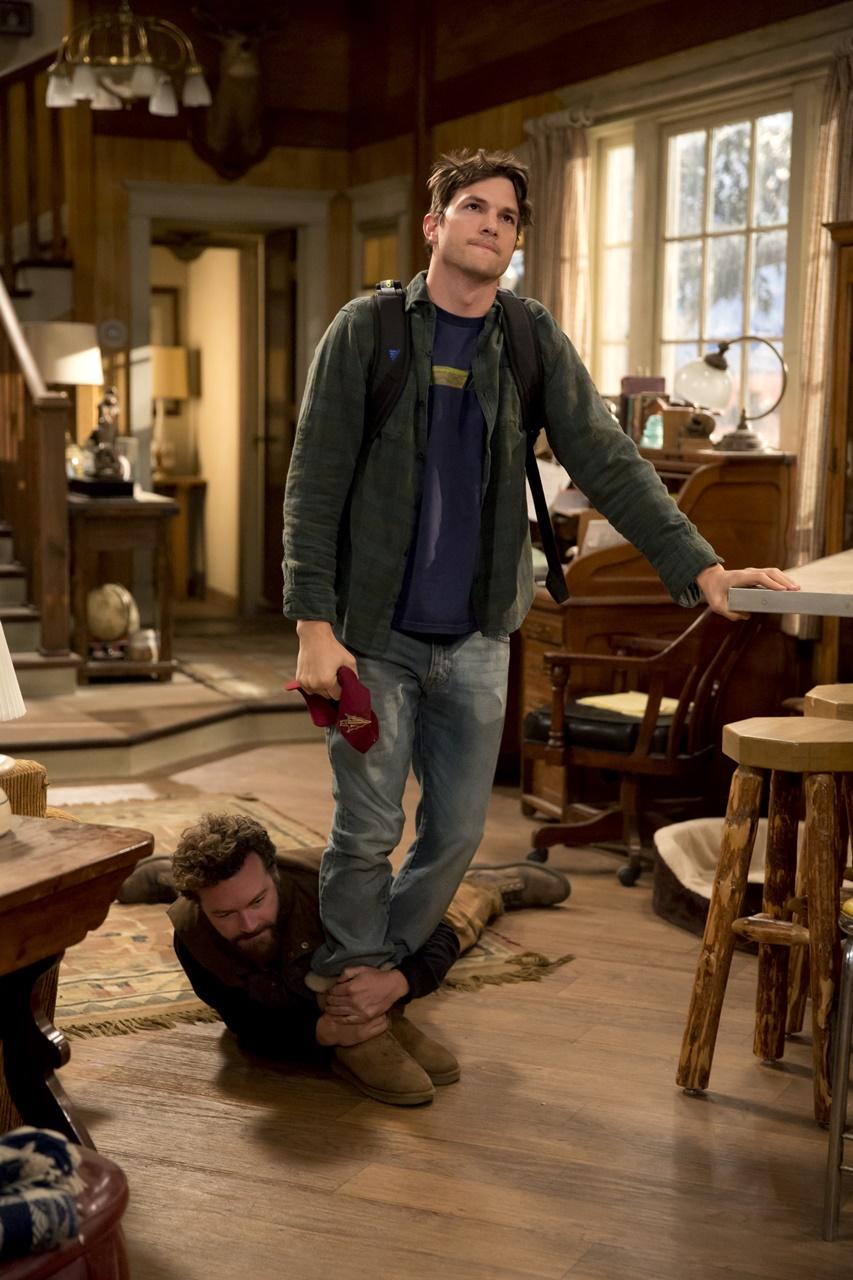 The Ranch: Danny Masterson e Ashton Kutcher in una divertente foto della serie Netflix