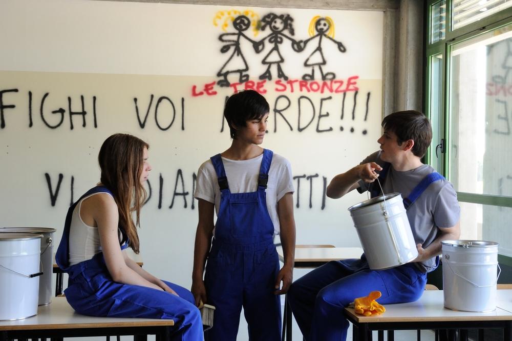 Un bacio: Rimau Grillo Ritzberger, Valentina Romani e Leonardo Pazzagli in un momento del film