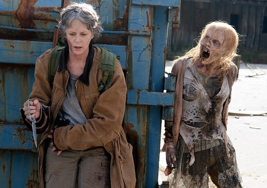 The Walking Dead: l'attrice Melissa McBride in una foto della puntata L'ultimo giorno sulla Terra