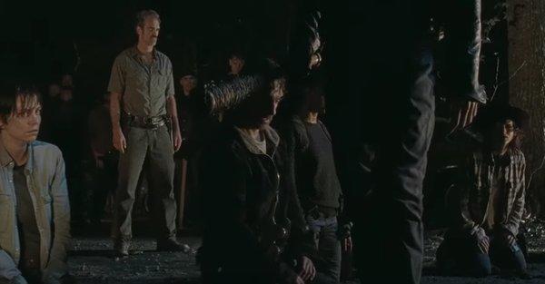 The Walking Dead: Negan minaccia Rick con Lucille nella puntata L'ultimo giorno sulla Terra