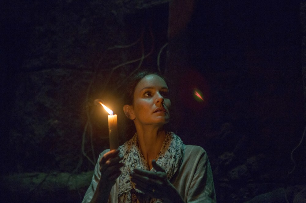 The Other Side of the Door: Sarah Wayne Callies in una scena del film