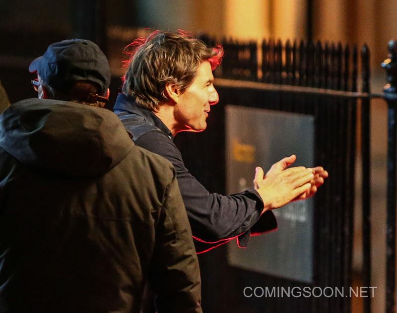 The Mummy: Tom Cruise scherza con la troupe
