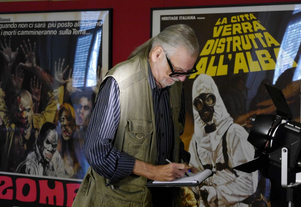 Lucca Film Festival: George Romero di fronte al poster di The Crazies