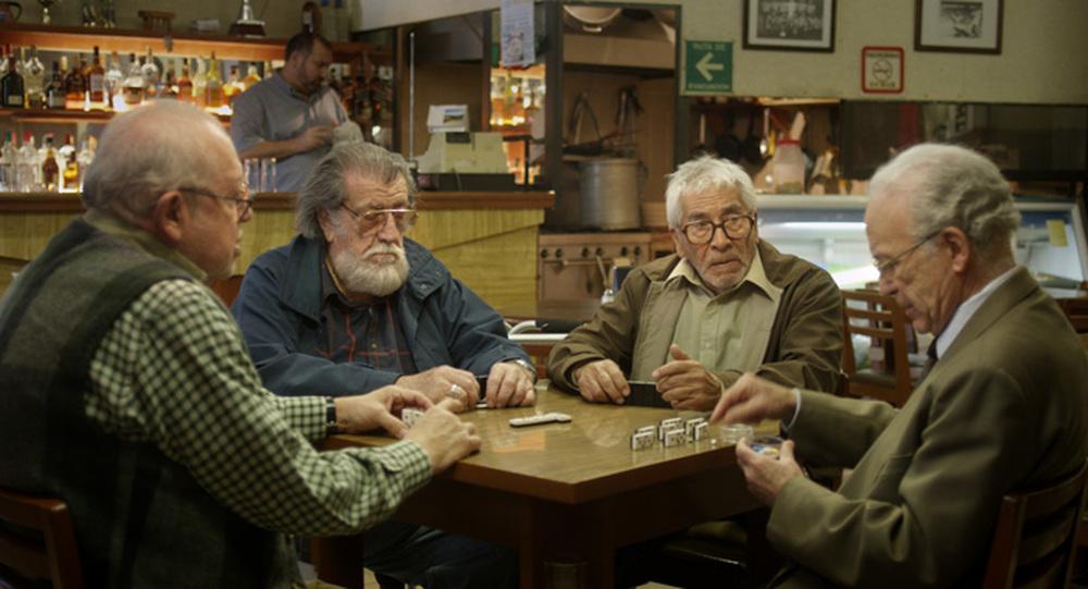 Cinque tequila: Luis Bayardo, Eduardo Manzanos Brochero, José Carlos Ruiz e Pedro Weber 'Chatanuga' in una scena del film