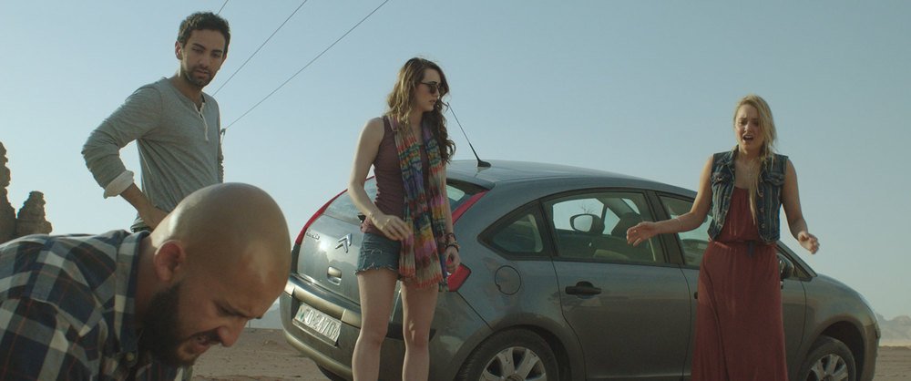 Viaggio da paura: Madeline Zima, Christina Ulfsparre, Fahad Albutairi e Shadi Alfons in una scena del film