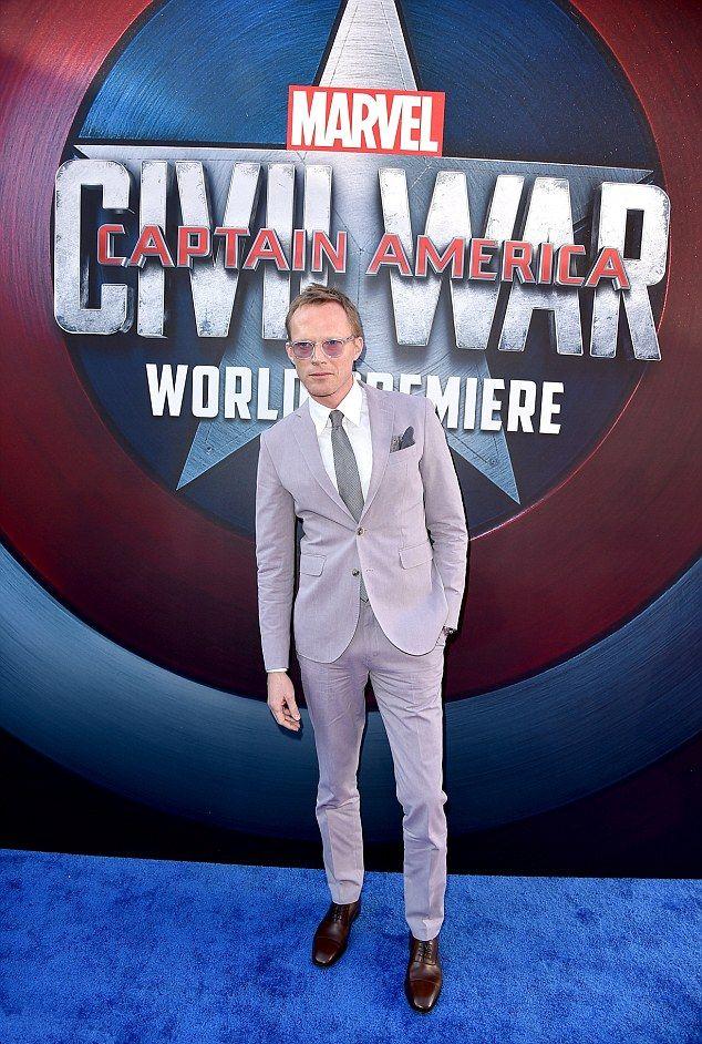 Captain America: Civil War - Paul Bettany alla premiere