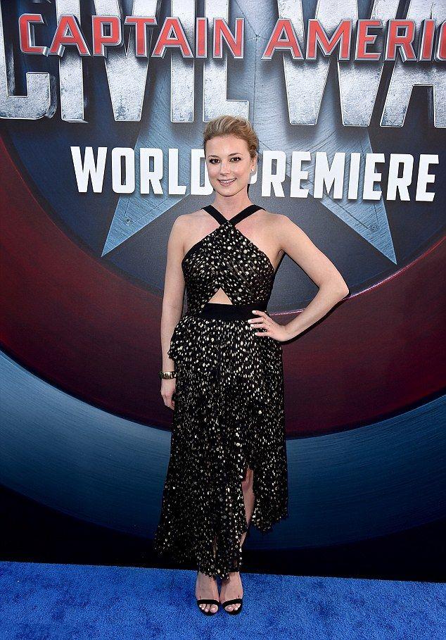Captain America: Civil War - Emily VanCamp alla premiere di Hollywood