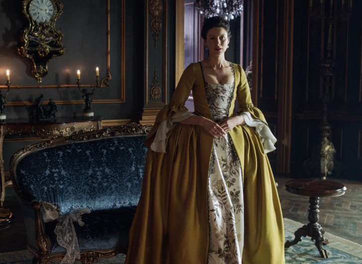 Outlander: l'attrice Caitriona Balfe in un'immagine della seconda stagione