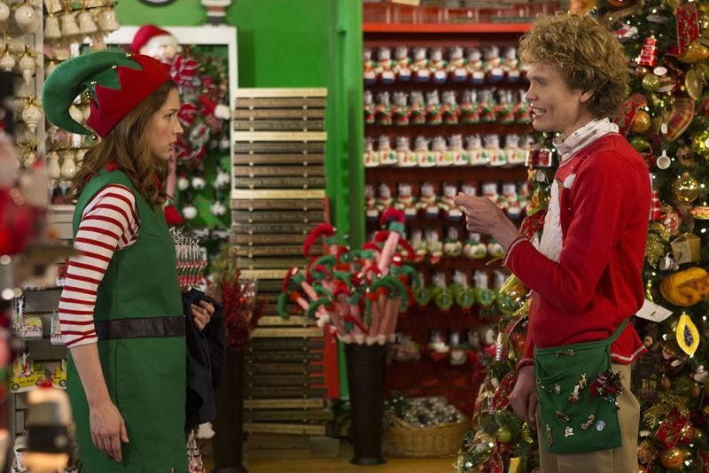 Unbreakable Kimmy Schmidt: Ellie Kemper e Doug Plaut in una scena della seconda stagione