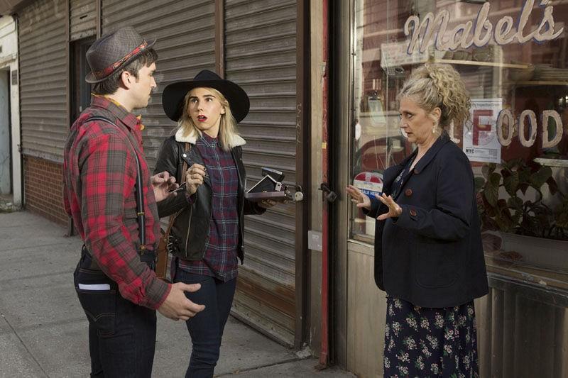 Unbreakable Kimmy Schmidt: Evan Jonigkeit, Jane Krakowski e Carol Kane in una foto della seconda stagione