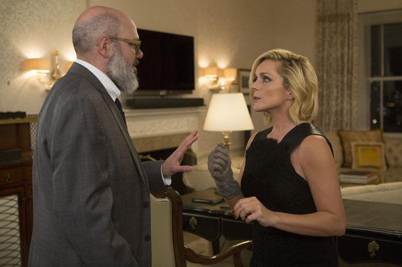 Unbreakable Kimmy Schmidt: David Cross e Jane Krakowski in una foto della seconda stagione