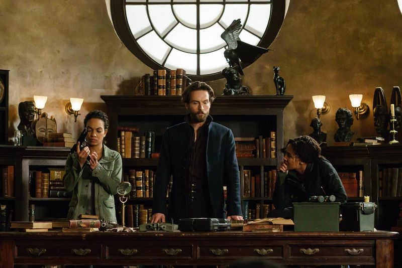 Sleepy Hollow: Lyndie Greenwood, Tom Mison e Nicole Beharie nella puntata Ragnarok