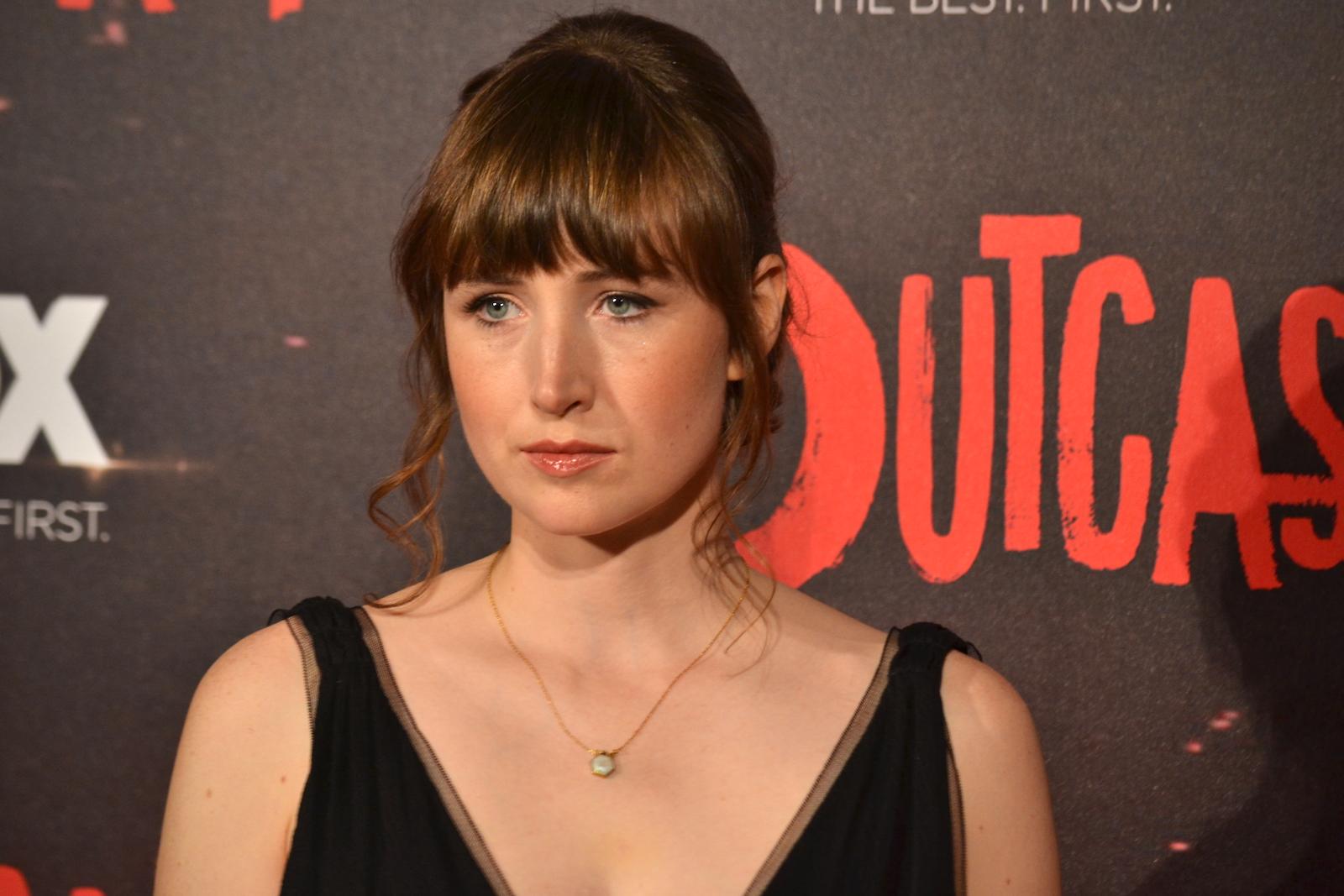 Outcast: Kate Lyn Sheil sul red carpet della premiere europea
