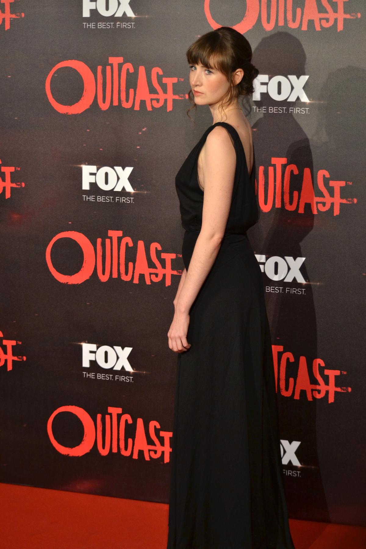 Outcast: Kate Lyn Sheil posa sul red carpet della premiere europea