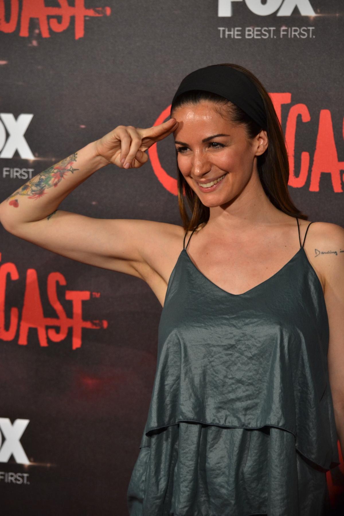 Outcast: Andrea Delogu sul red carpet della premiere europea
