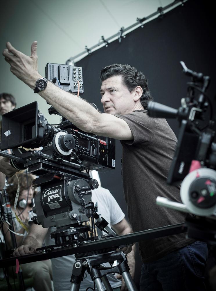 Ma Ma: il regista Julio Medem sul set del film