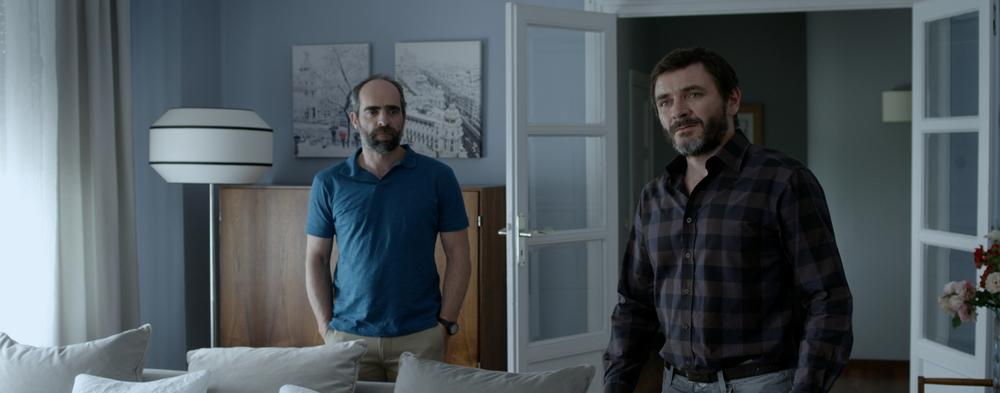 Ma Ma: Luis Tosar e Alex Brendemühl una scena del film