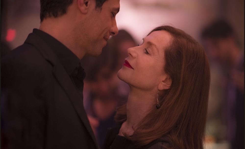 Elle: Isabelle Huppert e Laurent Lafitte in una scena del film