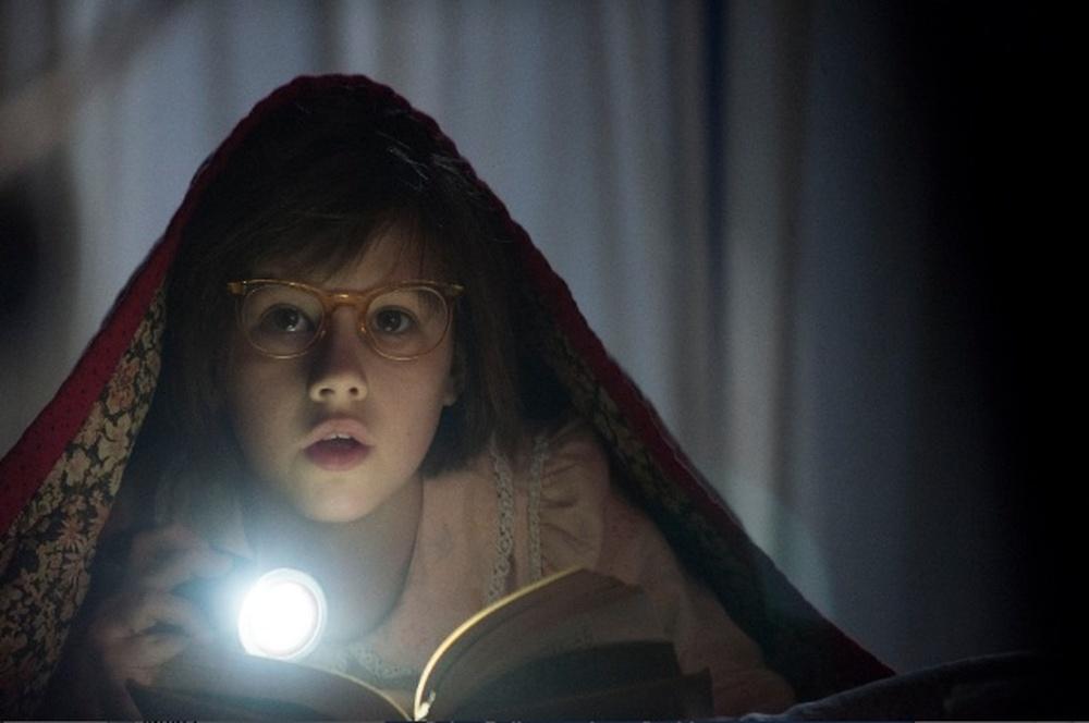 Il gigante gentile: Ruby Barnhill in un momento del film