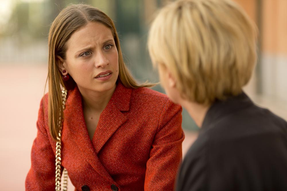 Julieta: Emma Suárez e Michelle Jenner in una scena del film
