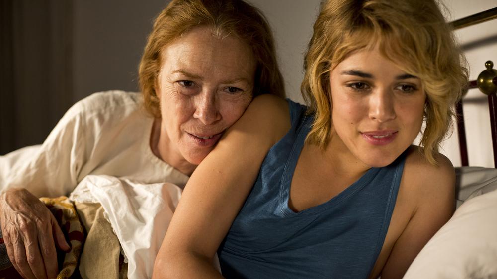 Julieta: Susi Sánchez e Adriana Ugarte in una scena del film