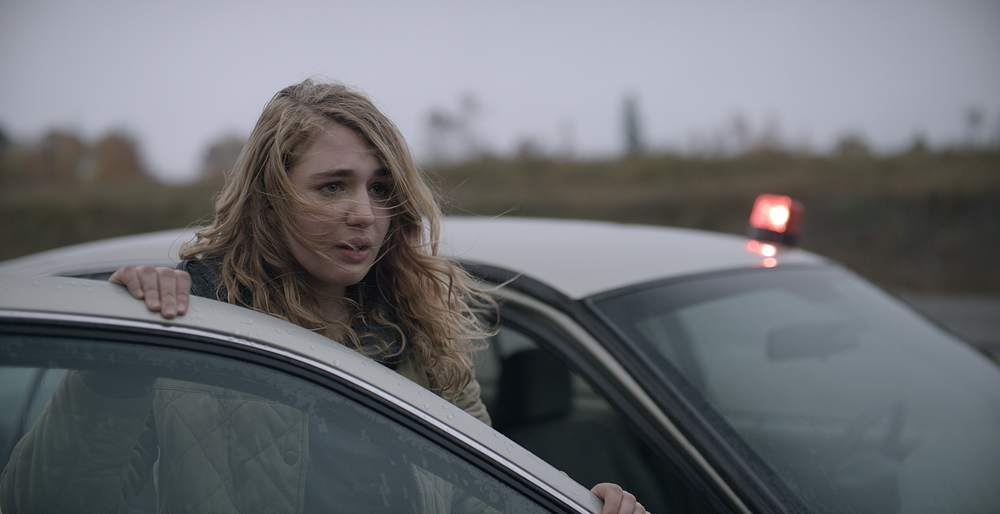 Mean Dreams: Sophie Nélisse in una scena del film