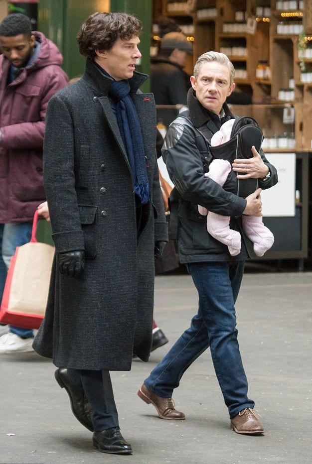 Sherlock: Benedict Cumberbatch e Martin Freeman sul set di Londra