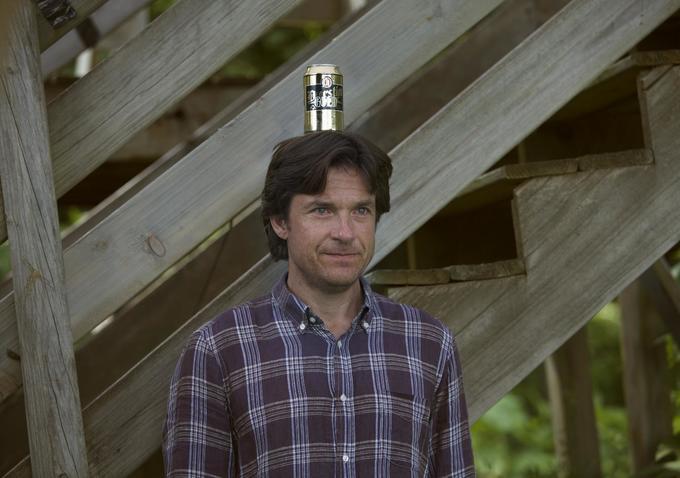 La famiglia Fang: Jason Bateman con un barattolo in testa