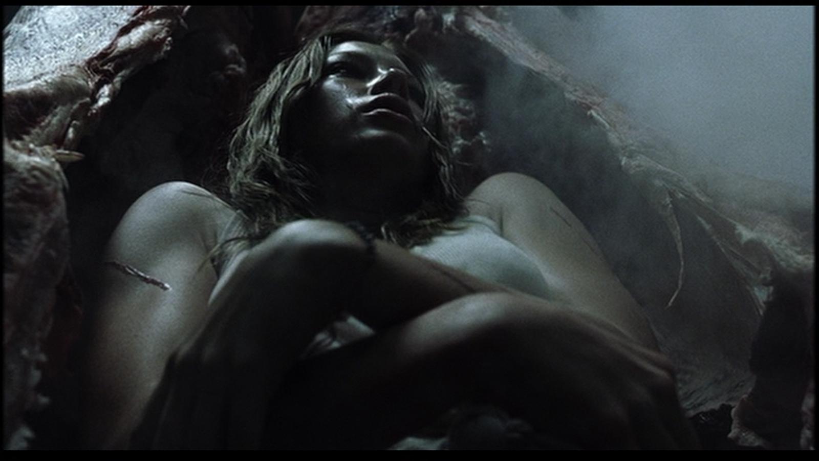 Jessica Biel in Non aprite quella porta del 2003