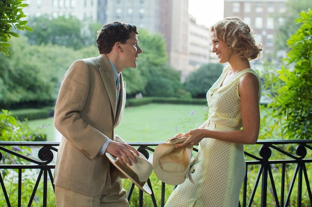 Café Society: Jesse Eisenberg e Blake Lively in una scena del film