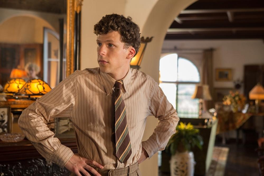 Café Society: Jesse Eisenberg in una scena del film
