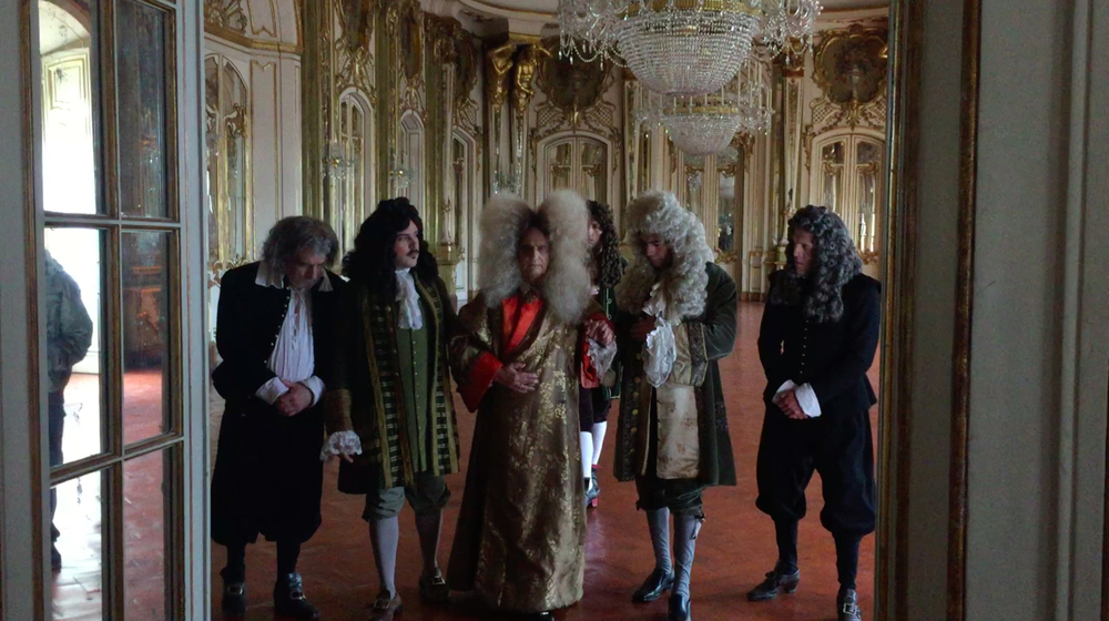 Last Days of Louis XIV: una scena del film