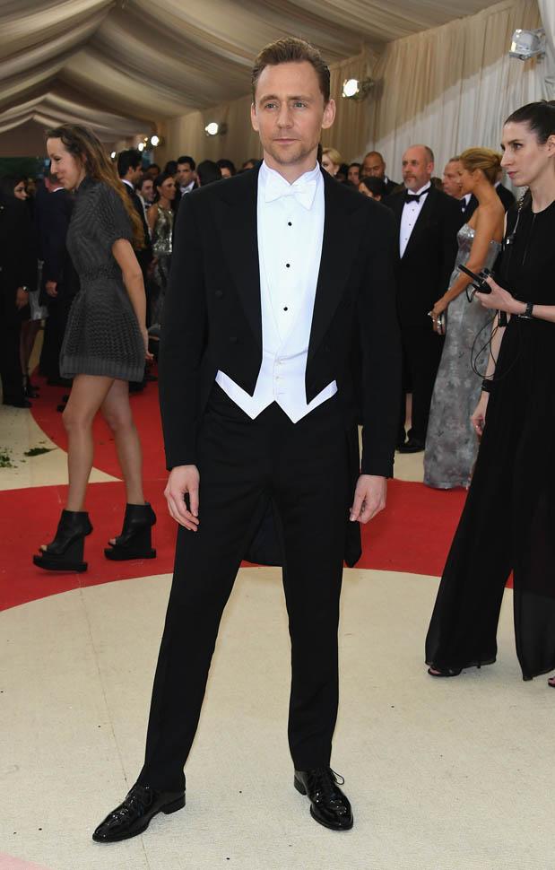Tom Hiddleton sul red carpet del gala del MET 2016