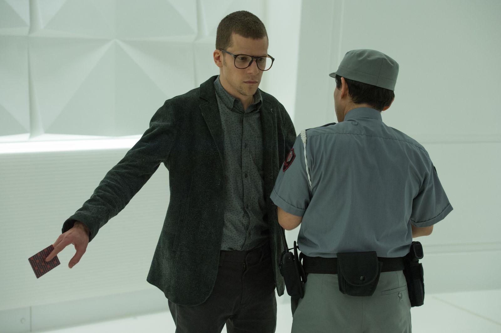 Now You See Me 2: Jesse Eisenberg in una scena del film