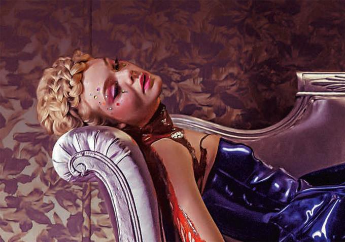The Neon Demon: Elle Fanning insaguinata in una foto del film