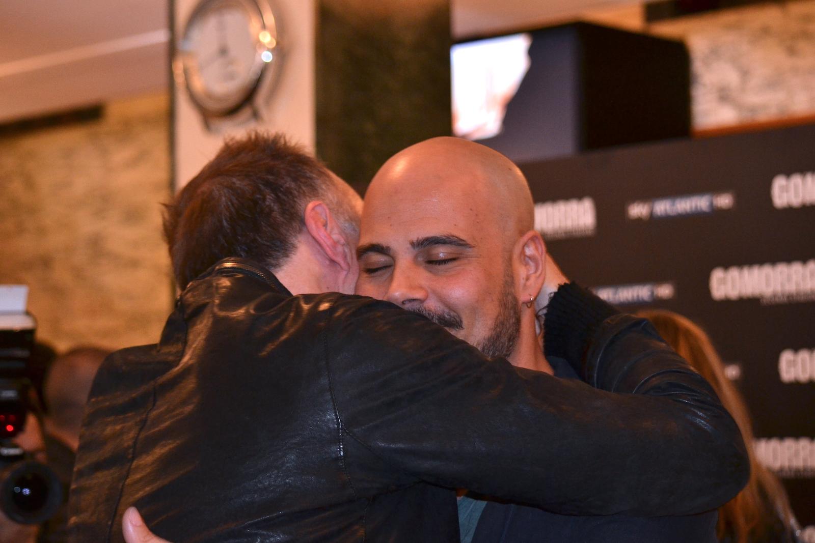 Gomorra seconda stagione: Stefano Sollima abbraccia Marco D'Amore