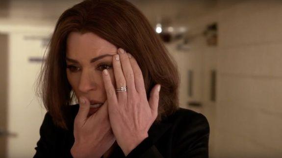 The Good Wife: Julianna Margulies in una delle ultime immagini dell'episodio End