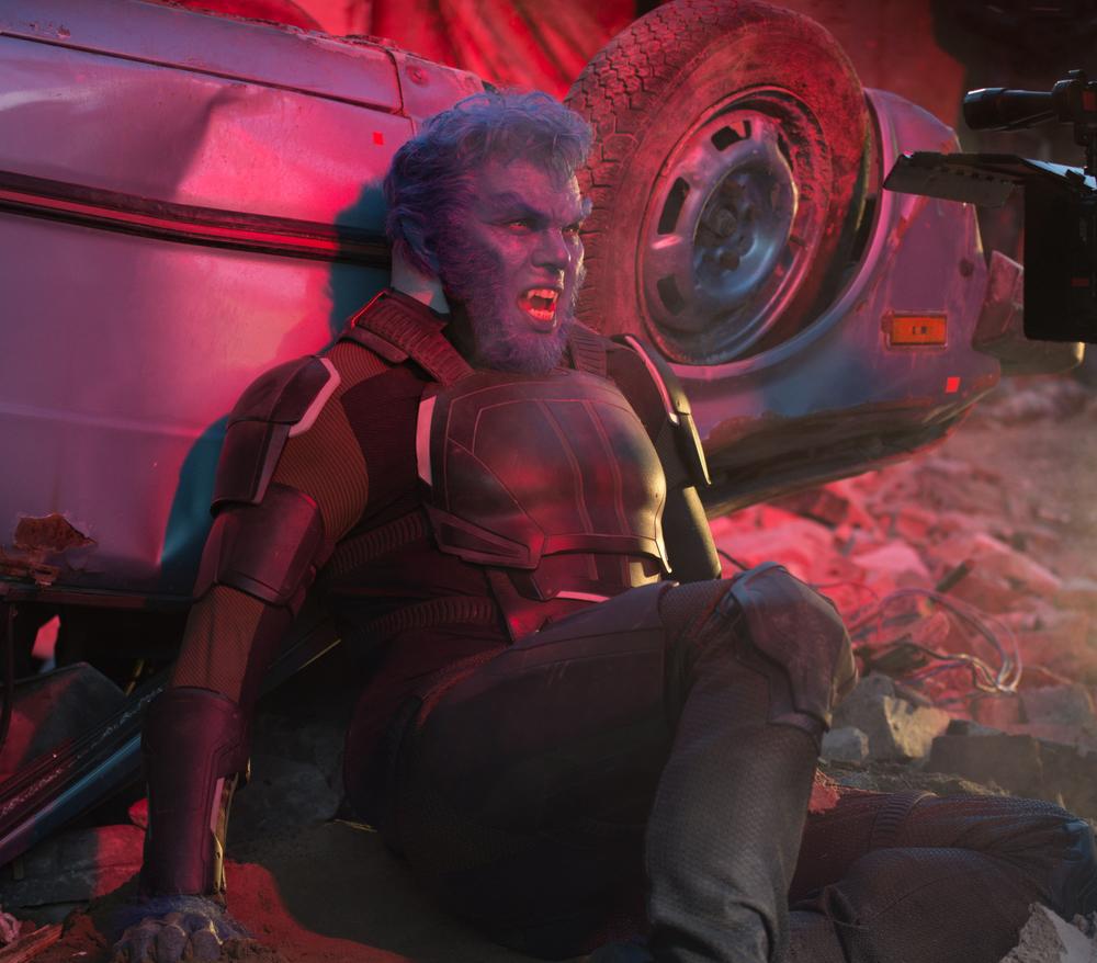 X-Men: Apocalisse - Nicholas Hoult in una scena del film