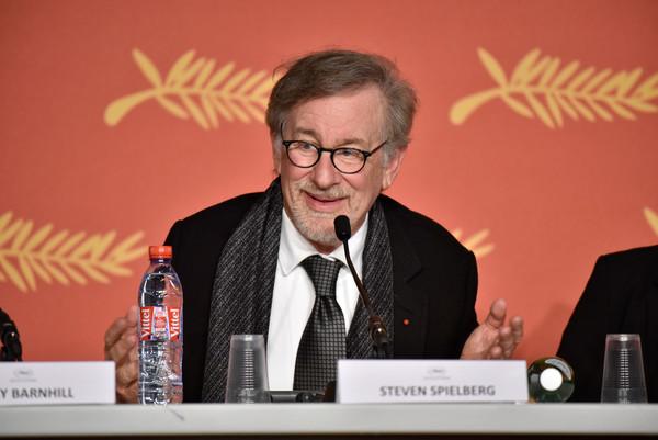 The BFG: Steven Spielberg durante la conferenza stampa a Cannes 2016