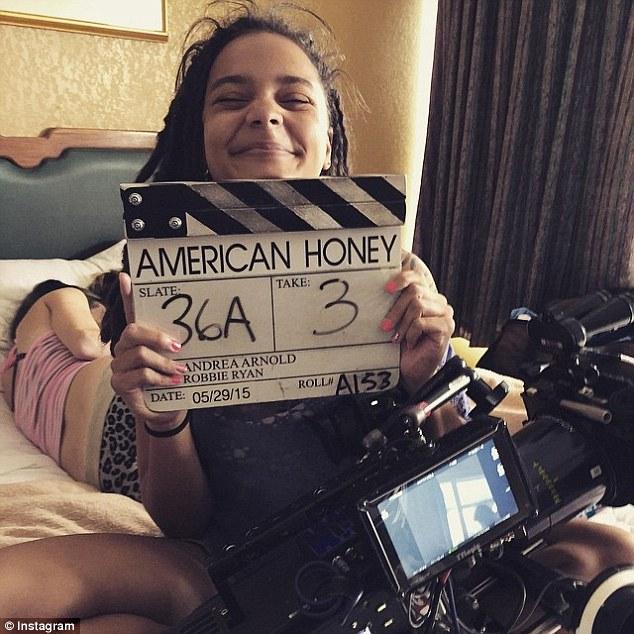 Sasha Lane in una immagine dal set di American Honey.