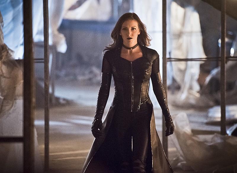 The Flash 2: Katie Cassidy è Black Siren