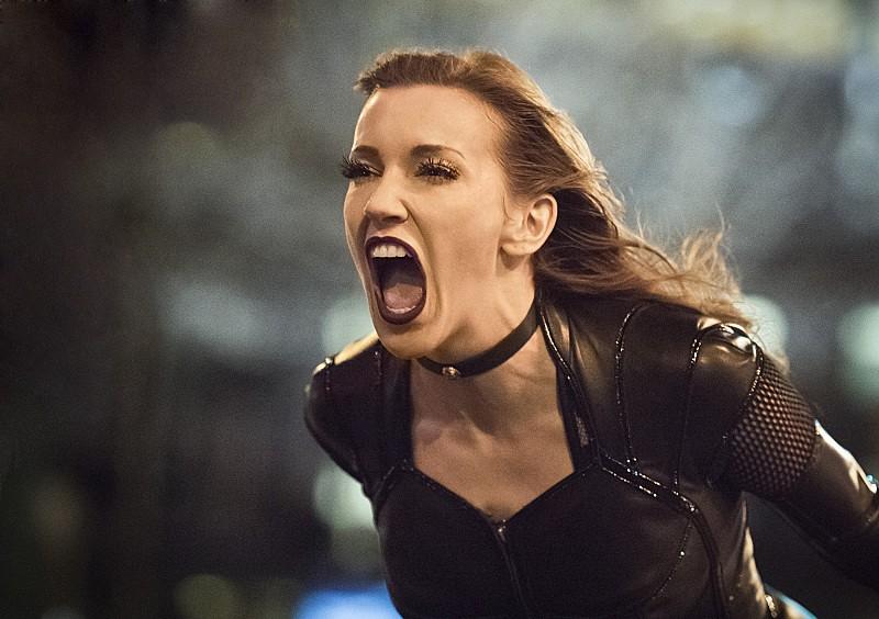 The Flash 2: Katie Cassidy nell'urlo di Black Siren