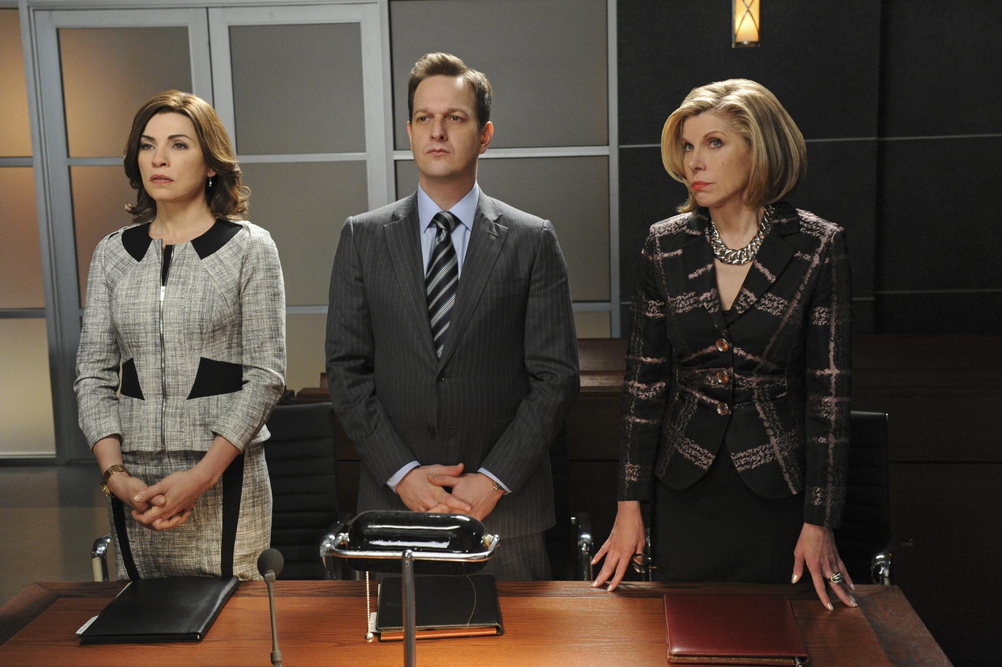 The Good Wife: Julianna Margulies, Christine Baranski, Josh Charles nell'episodio Un pugno di voti