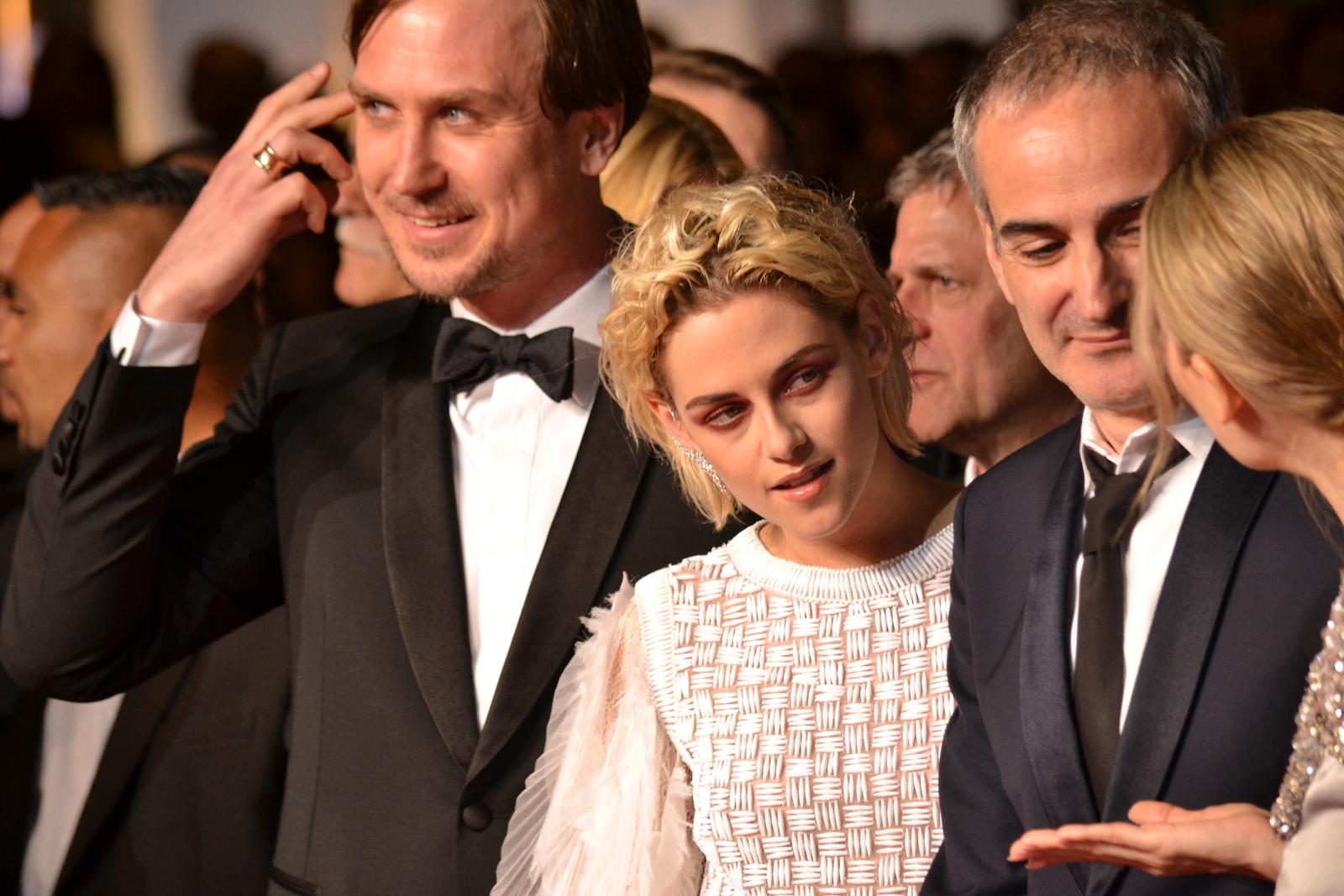 Cannes 2016: Kristen Stewart in un immagine sul red carpet di Personal Shopper