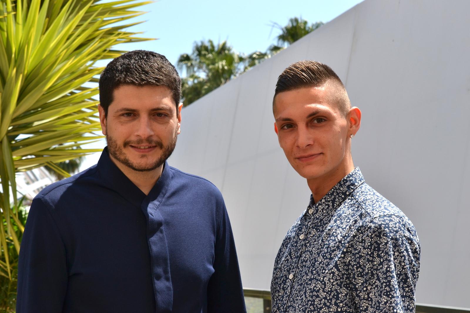 Cannes 2016: Josciua Algeri e Claudio Giovannesi al photocall di Fiore