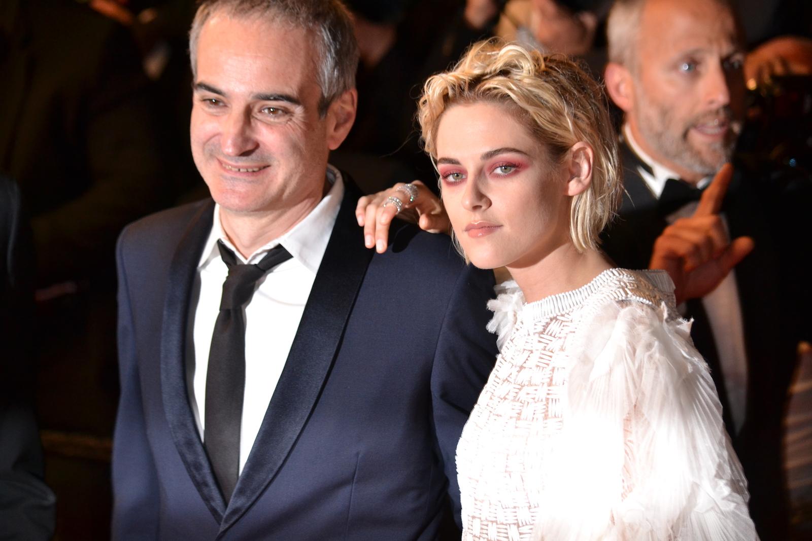 Cannes 2016: Kristen Stewart e Olivier Assayas sul red carpet di Personal Shopper