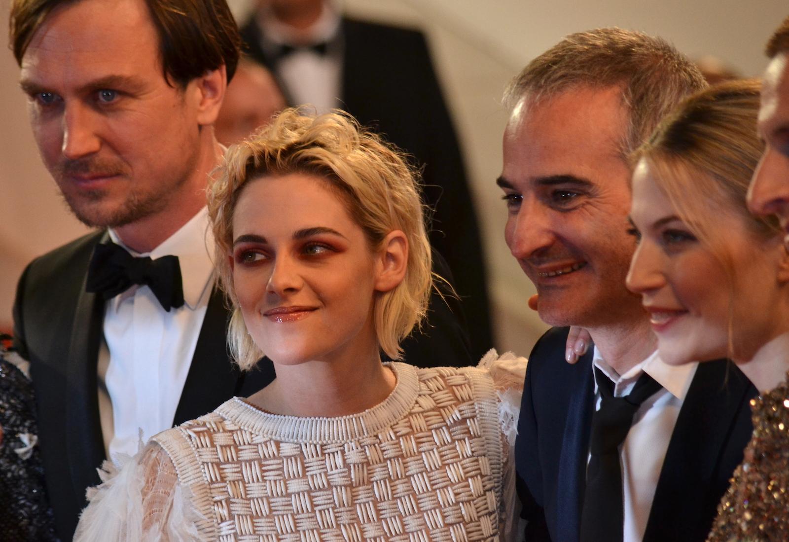 Cannes 2016: Kristen Stewart sul red carpet di Personal Shopper