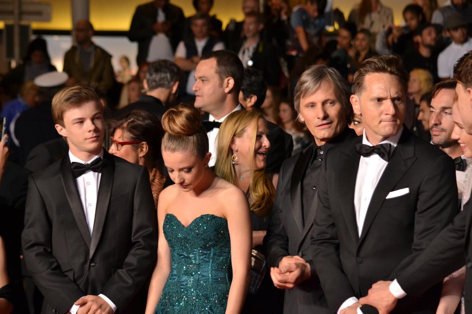 Cannes 2016: Viggo Mortensen e il cast di Captain Fantastic sul red carpet